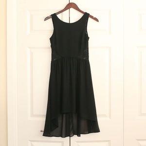 ⚡SALE ⚡️ GUESS black mini dress w/ lace back